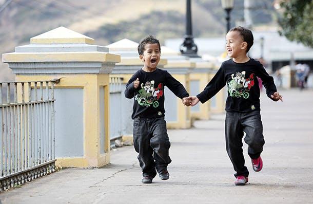 Shot At Life - UNF, Honduras, Sunday, Jan. 15, 2012. (Photo/Stuart Ramson)
