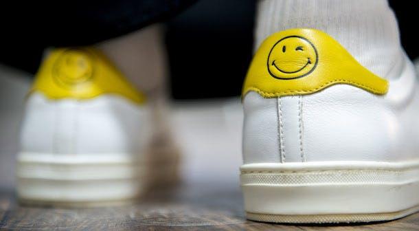 smiley-shoes-2-at-zaatari