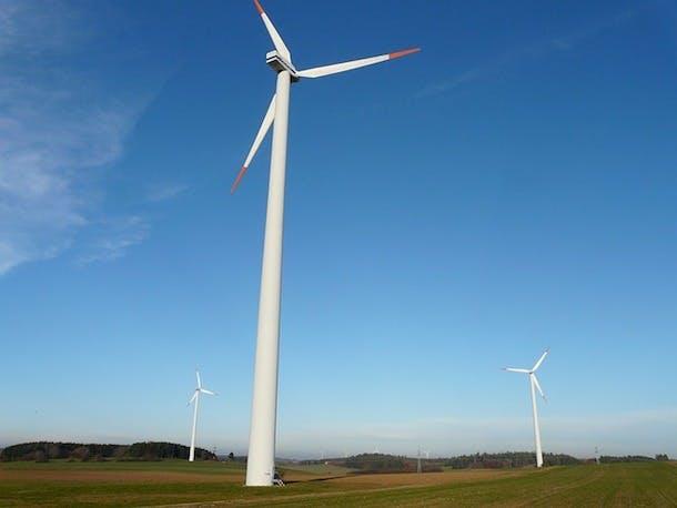wind-turbine-10659_640