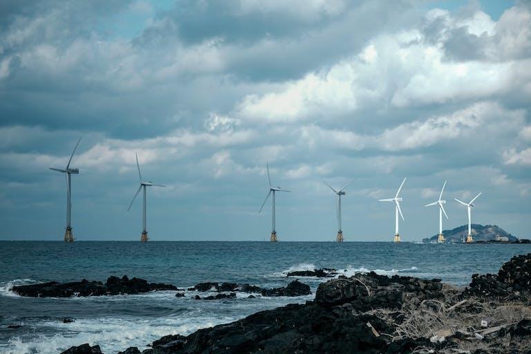 Windturbines in the sea